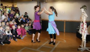 Vi danser oss gjennom hele kroppen