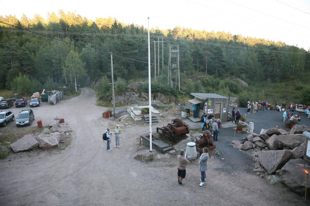 Klar for forestilling i Fjæreheia. Stenbrudduka 2011