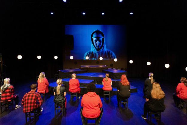 Maskefall på Kilden Teater- og konserthus